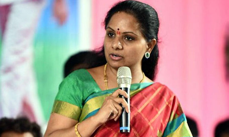 TRS leader Kavitha expresses Bathukamma wishes to Telangana people, మౌనం వీడిన కవితమ్మ.. 'బతుకమ్మ' వీడియోలో ఏం చెప్పారంటే..!