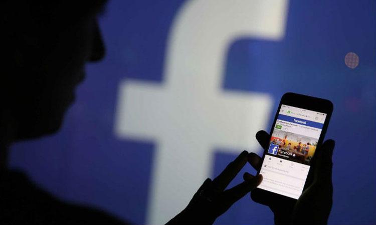 facebook, ఫేస్బుక్లో కోట్లు కుమ్మరిస్తున్న పార్టీలు