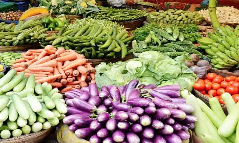coimbatore corporation on thursday launched the door to door sale of the vegetables, రూ. 100లకు 12 రకాల కూరగాయలు..ఇళ్ల వద్దకే సరుకులు..