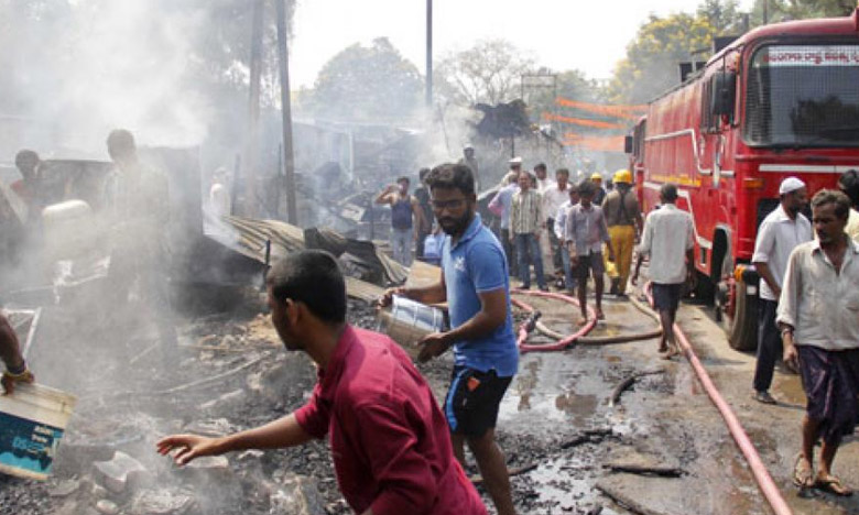 Major Road Accident, సూర్యాపేట హైవేపై తగలబడ్డ రెండు లారీలు..