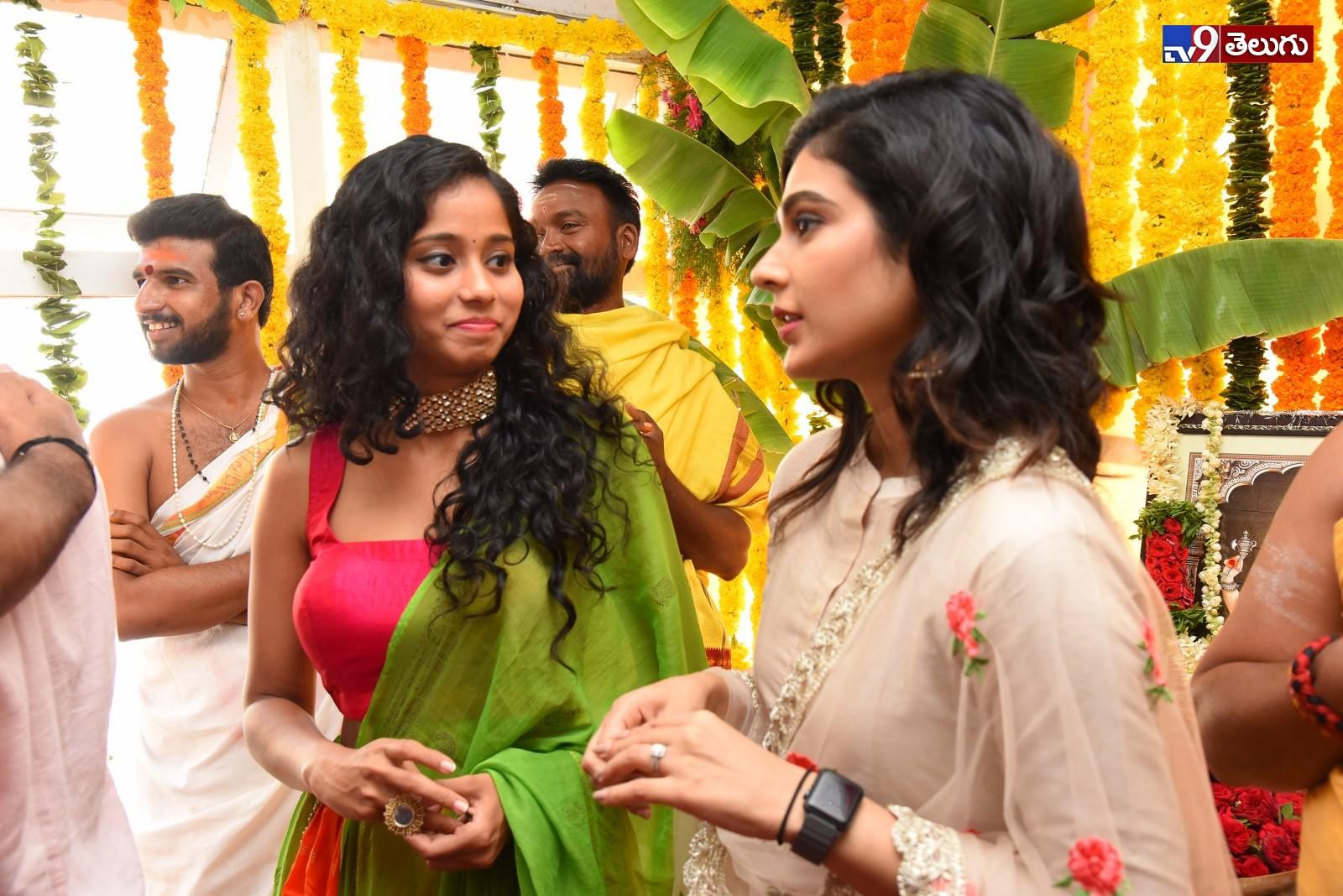 , 'ఆది పినిశెట్టి  క్లాప్' చిత్రం ప్రారంభోత్సవ ఫొటోస్