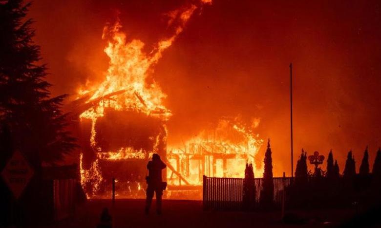 At least 30 killed in Indonesia matchstick warehouse fire, ఇండోనేషియా అగ్నిప్రమాదంలో 30మంది మృతి