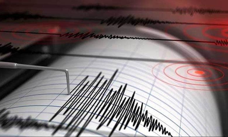 earthquake Of 3.2 magnitudestrikes Near Noida, ఢిల్లీకి సమీపంలో భూప్రకంపనలు..