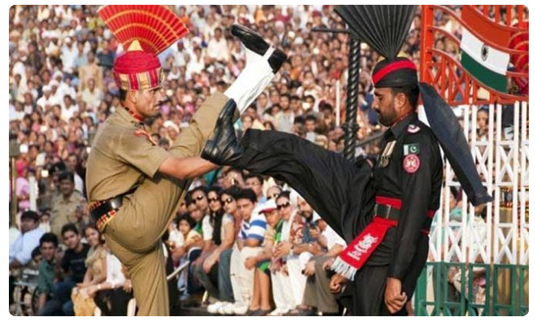 Beating Retreat Ceremony LIVE : Independence Day Celebrations @ India-Pakistan Wagah Border