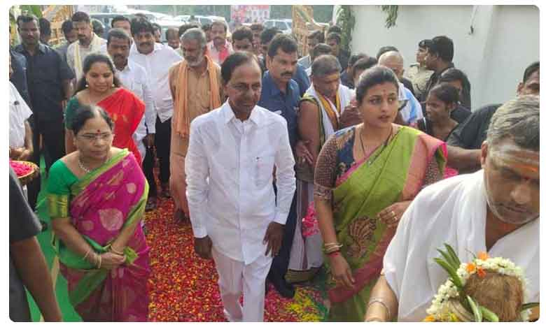 CM KCR receives grand welcome from Roja and Returns to Hyderabad
