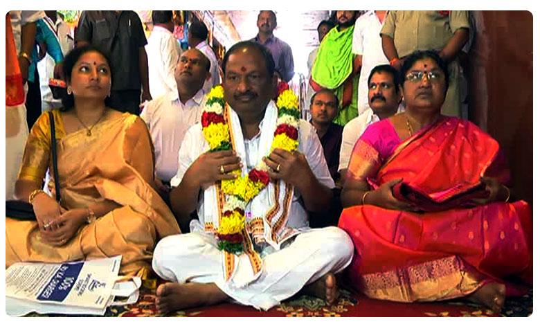Kopula Eshwar Visits Durgama temple in Andhra Pradesh, బెజవాడ దుర్గమ్మను దర్శించుకున్న మంత్రి కొప్పుల