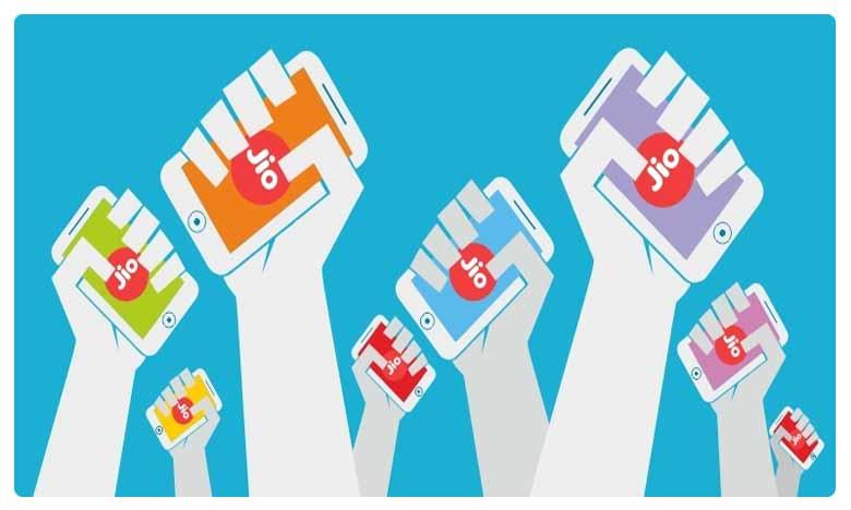 Subscriber churn continues for Vodafone Idea Airtel in June; Jio adds 82.6 lakh users, రిలయన్స్ జియో సంచలనం… 82 లక్షల నయా కస్టమర్స్!