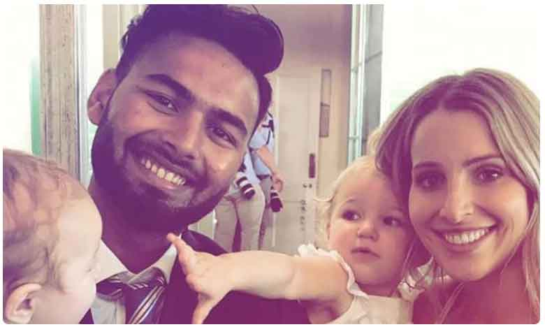 Hardik Pandya Turns Babysitter