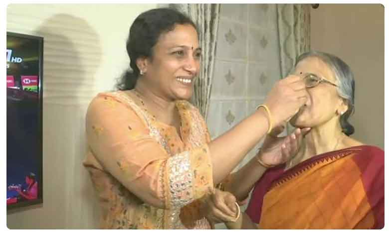 PV Sindhu family celebrates her victory of winning gold at BWF World Championships