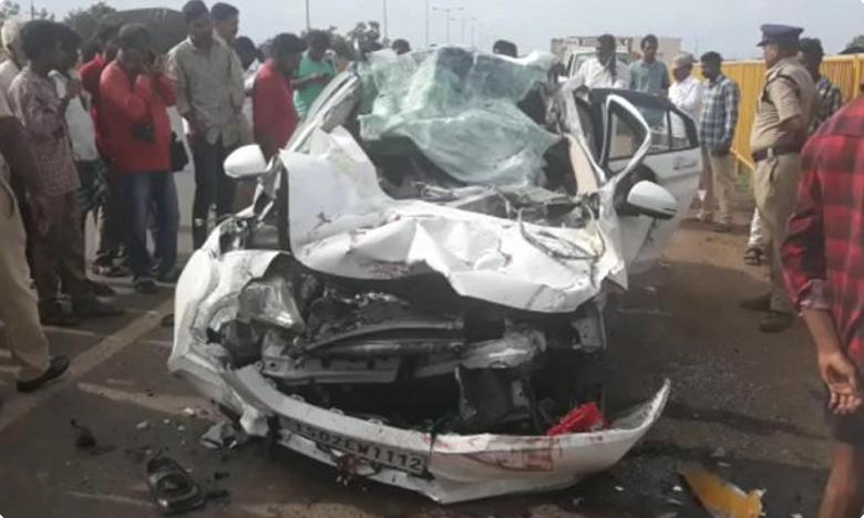 Lorry and car crash