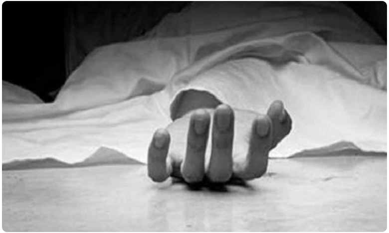 UP woman her daughter crushed to death by train while chasing thief, దొంగను ఛేజ్ చేస్తూ  తల్లీకూతుళ్లు మృతి