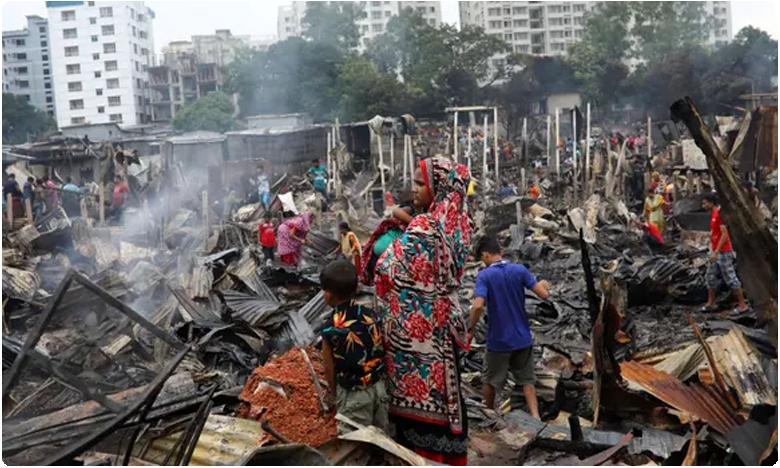 Bangladesh fire leaves 10,000 homeless after blaze razes slum
