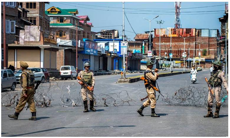 Tensions gripped in Jammu and Kashmir, లోయలో నెలకొన్న ఉత్కంఠ.. 144 సెక్షన్..