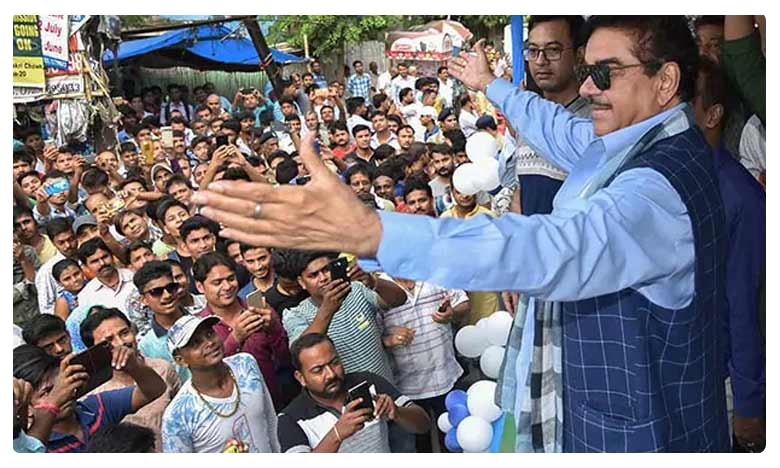 """""""Who Will Save This Economy"""": Shatrughan Sinha Returns As Centre's Critic"""