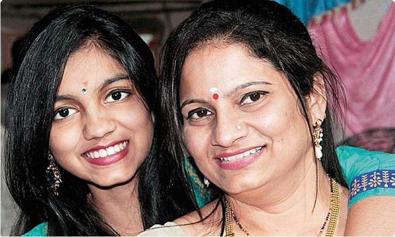 Actress strangles teen daughter, hangs self in Thane
