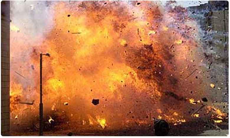 Mysterious Blast in Temple Pond at Kanchipuram one Kills and Injures 5.. Cops Say No Link With Terror Alert, తిరుపోరూర్ ఆలయంలో బాంబు పేలుడు..