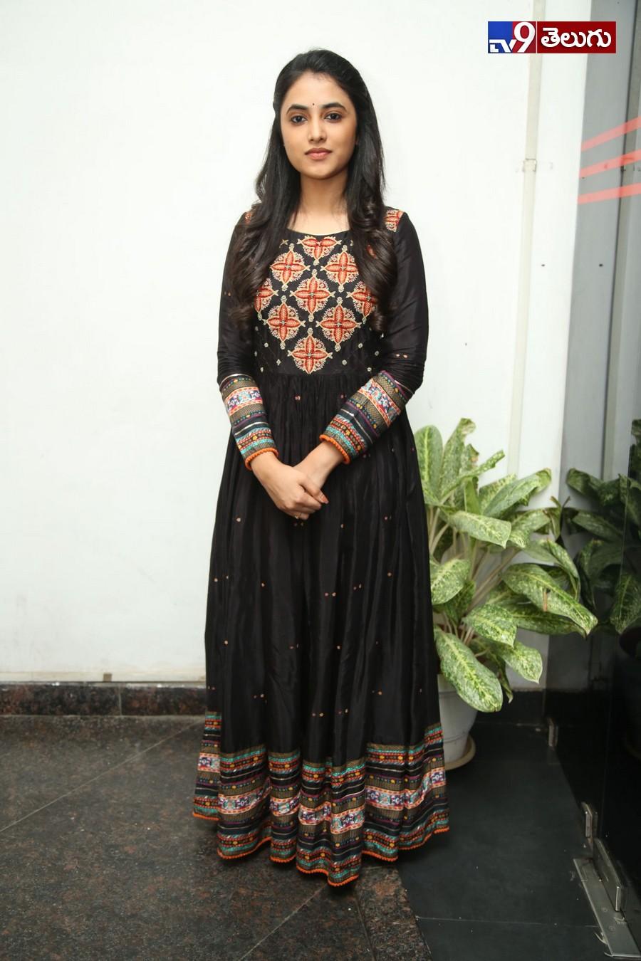Priyanka Arul Mohan New Photos, ' ప్రియాంక అరుల్ మోహన్' ఫొటోస్