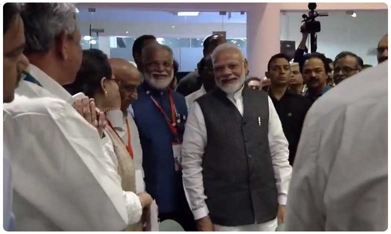 PM Modi Inspirational Words After Vikram Lander Lost Signals, ఇస్రో శాస్త్రవేత్తలూ ధైర్యం కోల్పోవద్దుః నరేంద్ర మోదీ