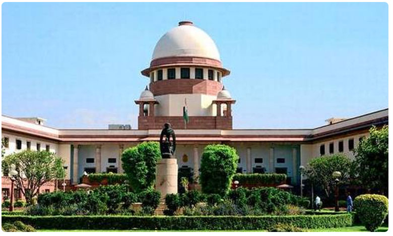Kashmir media restrictions, political detentions: SC to hear multiple pleas on Article 370 today
