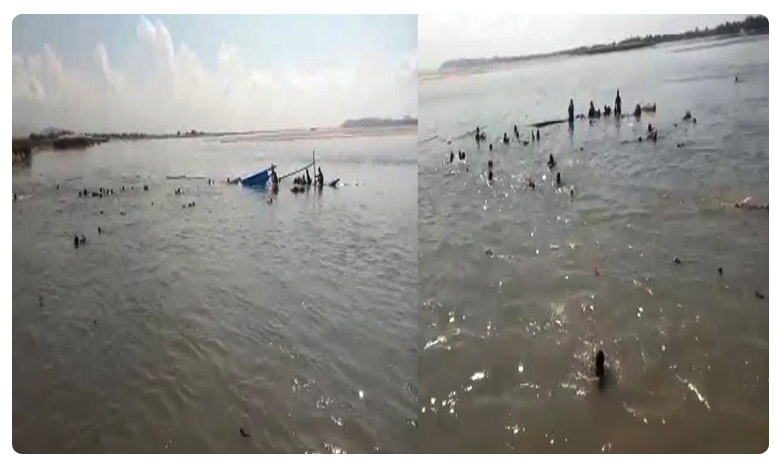 Boat capsized in Assam, అసోంలో ఘోర పడవ ప్రమాదం… పలువురు గల్లంతు