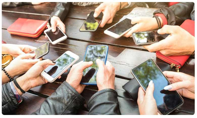 UP Government Bans Mobile Phones in Clolleges Universities, ఇక కాలేజీల్లో మూగబోనున్న మొబైల్ ఫోన్లు!