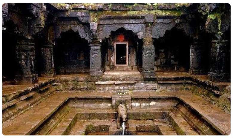 Panch Ganga Temple in Mahabaleshwar, పంచగంగ టెంపుల్: నంది నోటి నుండి నీటి ధార!