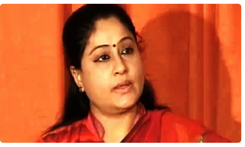 cine writer paruchuri requests vijayashanti not to enter politics again why, ఆమె రాజకీయాలు మానేస్తే మంచిది.. సినీ రచయిత పరుచూరి కోరిక
