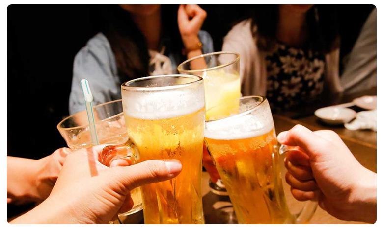 Tamilnadu School Girls Party With Beer Bottles, క్లాస్లో అమ్మాయిల బీరు పార్టీ.. ఇంతలోనే షాక్!