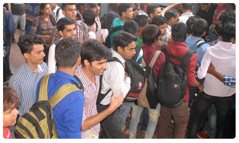 Swiggy to hire 3 lakh people, నిరుద్యోగులకు బంపరాఫర్.. ఒకే దెబ్బకు 3 లక్షల ఉద్యోగాలు