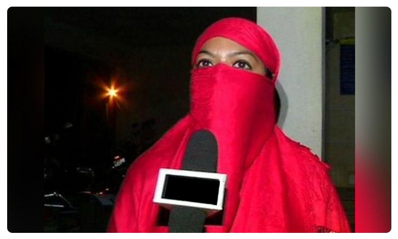 Rukhsana Begum's husband Mustafa allegedly gave her triple talaq due to her crooked teeth, ఎత్తుపళ్ల కారణంగా తలాక్ చెప్పిన భర్త..!