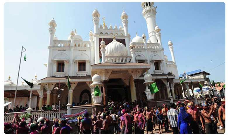 Before arriving at Sabarimala temple in Kerala; devotees visit a mosque, అయ్యప్ప దర్శనానికి ముందు భక్తులు మసీదుకు ఎందుకు వెళ్తారు?