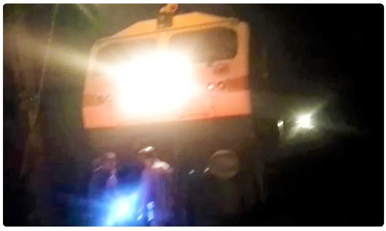 kolhapur express long halt for 3 hours due to technical fault at Mahabubabad, మహబూబాబాద్లో ఆగిపోయిన మరో ట్రైన్..!