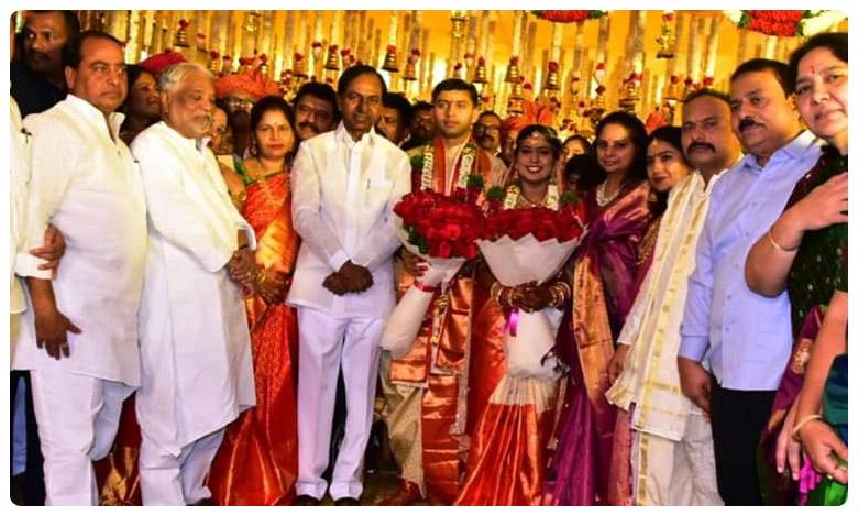 CM K Chandrasekhar Rao at the wedding of party MLA Rekha Naik's daughter, నూతన వధూవరులకు ముఖ్యమంత్రి ఆశీస్సులు..
