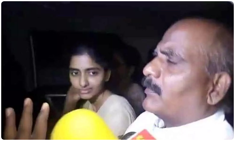 Disha Parents to meet NHRC, ఎన్హెచ్ఆర్సీని కలవనున్న దిశ పేరంట్స్..! మహిళలకు నైట్ షిఫ్ట్స్ వద్దు..!