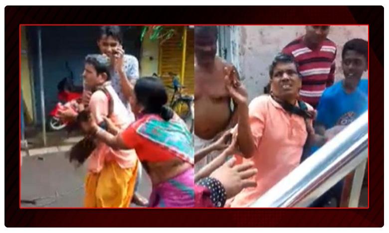 Panditji In Demand: Locals Drag And Force Priest To Perform Saraswati Puja In Bengal, పూజారిని కిడ్నాప్ చేసి లాక్కెళ్లిన భక్తులు.. ఆ తర్వాత ఏం చేశారో తెలిస్తే షాక్…