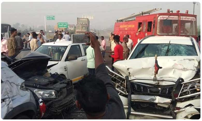 At least 10 vehicles rammed into one another in an accident, పొగమంచు కారణంగా.. పది కార్లు ఢీ.. ఎక్కడంటే!