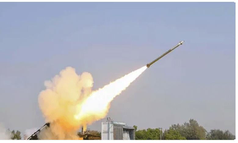 Rockets target Iraq airbase hosting US forces: military, అమెరికా దళాలే లక్ష్యంగా.. ఇరాక్ స్థావరాలపై రాకెట్ దాడులు