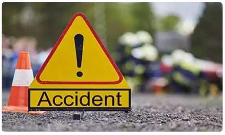 Road accident in Guntur, గుంటూరు జిల్లాలో దారుణం.. పెళ్లి ట్రాక్టర్ బోల్తా.. నలుగురు మృతి