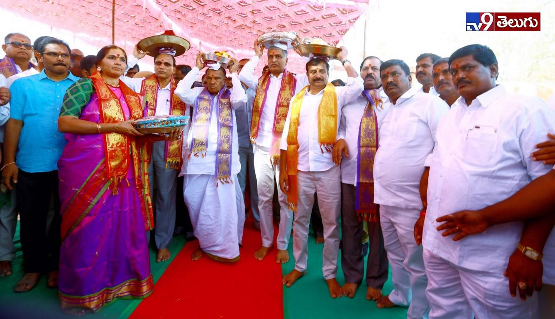 Minister Harish Rao, దుర్గ భవానీ ఆలయాన్ని సందర్శించిన మంత్రి హరీష్ రావు…