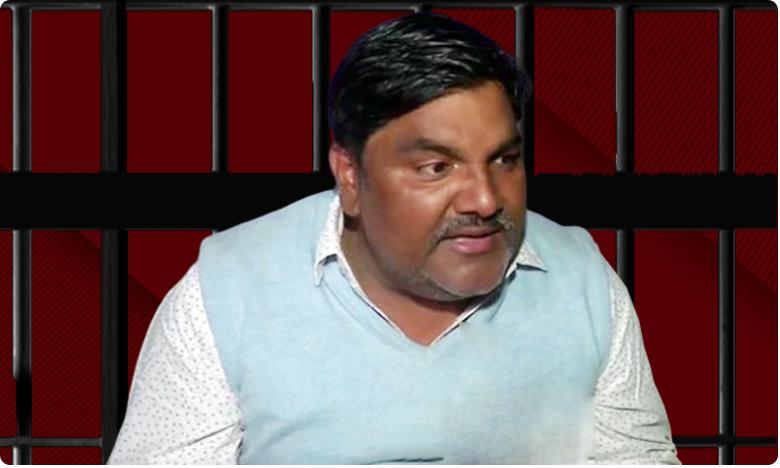 suspended aap leader tahir hussain faces arrest, ఆప్ నేత తాహిర్ హుసేన్ కు 'దెబ్బ మీద దెబ్బ' ..పార్టీ నుంచి సస్పెన్షన్.. అరెస్టు