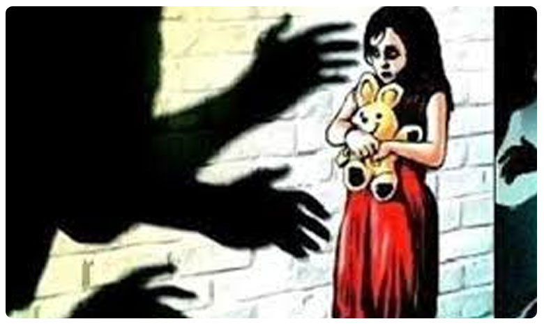 Three Year Old Girl Molested By Neighbour In Jammu And Kashmir, కశ్మీర్లో దారుణం.. మూడేళ్ల చిన్నారిపై అఘాయిత్యం..