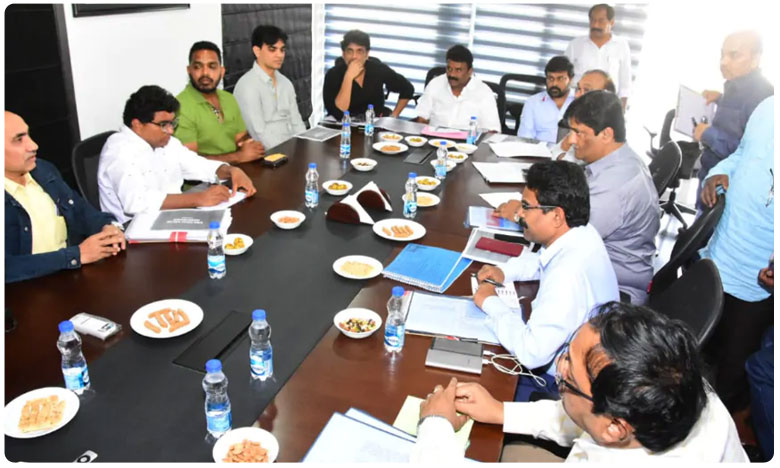 TS Minister Talasani Srinivas Yadav and Film industry meeting, మంత్రి తలసానితో మెగా మీటింగ్.. ముఖ్యంగా వీటిపైనే చర్చ