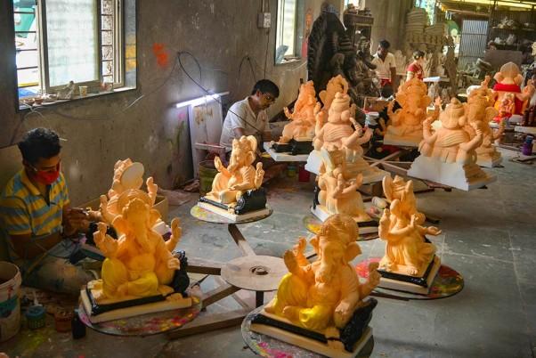 Pawan calls off Raithu Sowbhagya Deeksha, అన్నదాత కన్నీరు ఆగే వరకు పోరాడతాను: పవన్