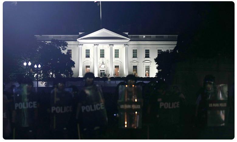 Protesters Target White House, అమెరికా 'ఆగమాగం'.. వైట్ హౌస్ వద్దే రేగిన 'కాక' !