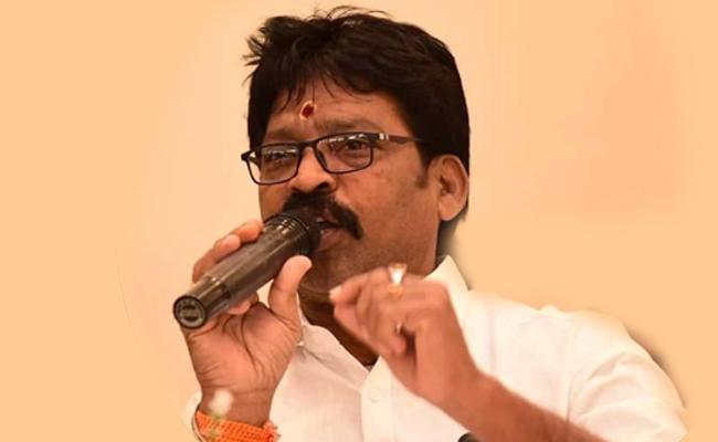 YCP Leader Moka Bhaskar Rao Assassination in Krishna District, బ్రేకింగ్: వైసీపీ నేత దారుణ హత్య.. సైనెడ్ పూసిన కత్తితో..