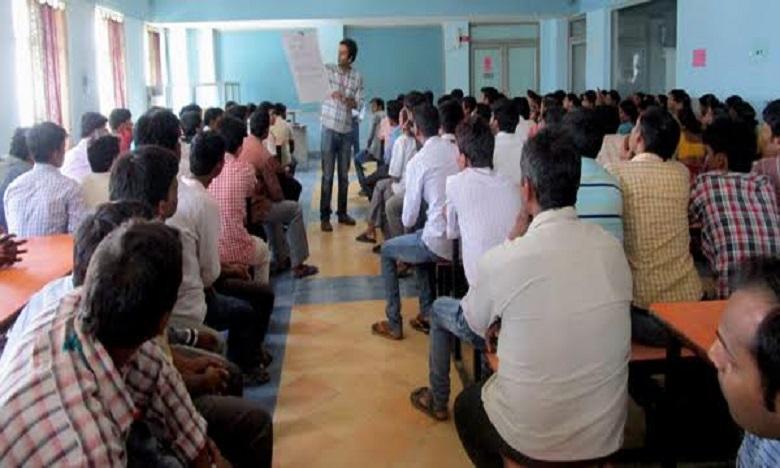 Jallikattu event in Tamil Nadu, జల్లికట్టులో విషాదం.. 32మందికి గాయాలు