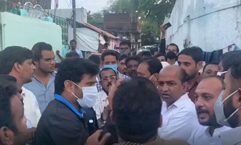 Clashes between MIM and congress old city shabbir ali angry, రాత్రి కాంగ్రెస్-ఎం.ఐ.ఎం గొడవ.. విరుచుకుపడ్డ షబ్బీర్ అలీ