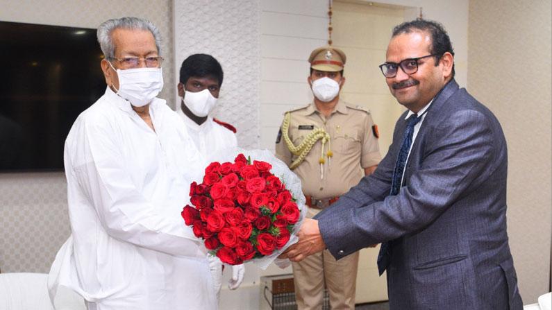 cs gov2 Andhra Pradesh Chief Minister Adityanath Das meets Governor Bishwabhushan Harichandan - Andhra pradesh new CS adityanath das meets governor biswabhusan harichandan