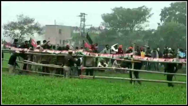 26 Police baton charge, food poisoning, farmers' attempt to block CM Khattar's arrival in Haryana - in haryana protesters teargased ahead of cm's meeting